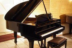 Steinway & Sons bei Pianohaus Fischer in Erftstadt bei Köln